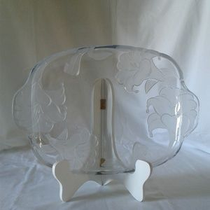 Clear serving glass platter